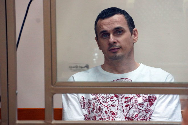 Crimea hunger-striker nearly dead: cousin