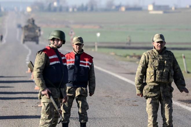 Turquie : des explosifs découverts sur des suspects à la frontière syrienne