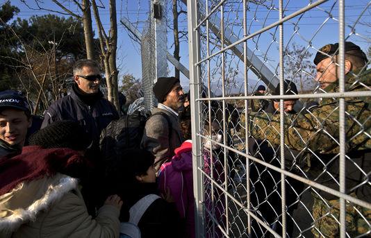Crise des migrants : la Macédoine ferme sa frontière