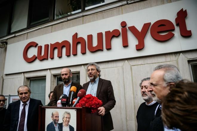 Procès Cumhuriyet : Paris rappelle Ankara à l'ordre sur les droits des diplomates français