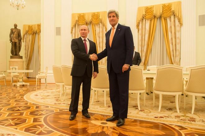 John Kerry à Moscou pour débloquer le processus de paix en Syrie