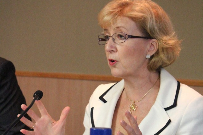 Leadsom steps aside for May to become PM