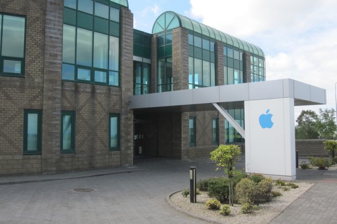 EU poised to issue Apple tax bill