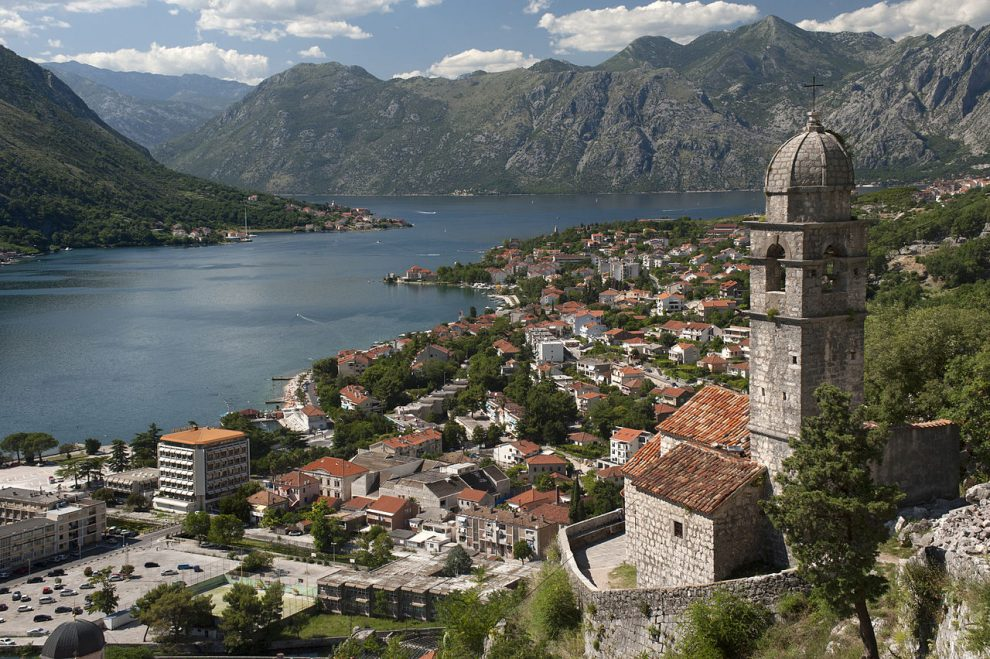 "Montenegro quits amid ""spy"" claims"