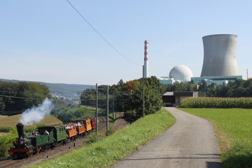 Swiss reject plan to axe atomic power