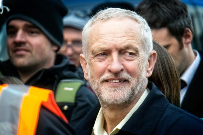 Corbyn orders MPs to back 137-word Brexit bill