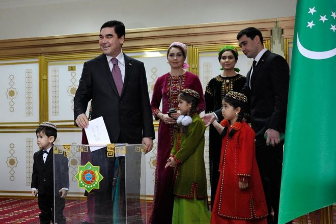 Turkménistan : troisième mandat pour Berdimoukhamedov