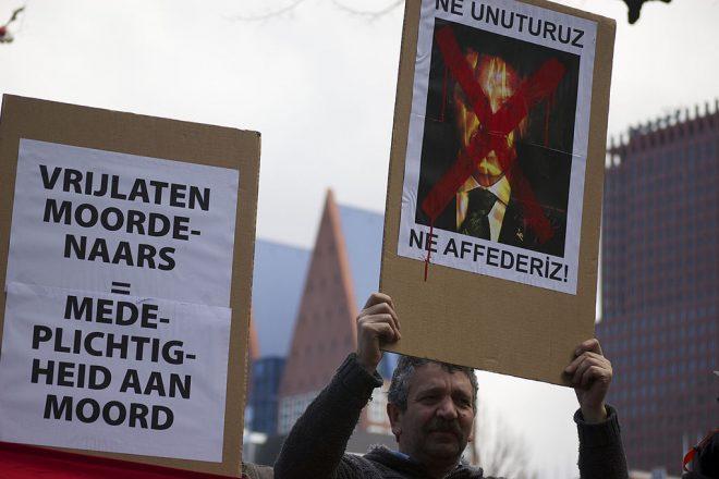 Turks remain undecided on referendum