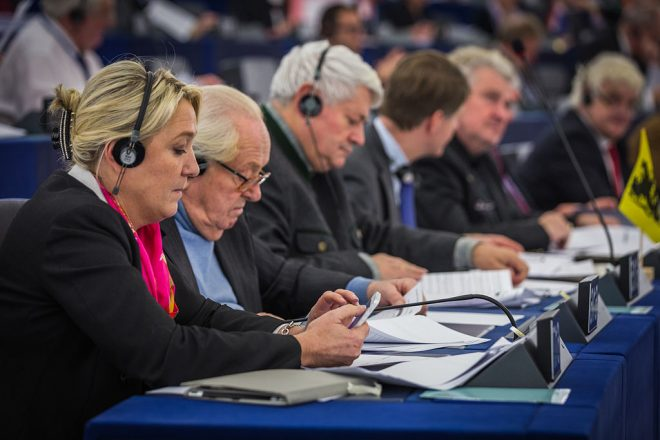 Le Pen set to lose immunity over IS tweets