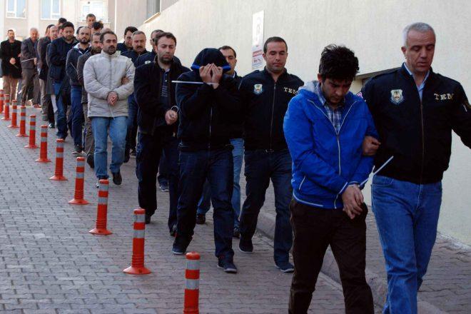 Turquie : mise au ban de plus de 9.000 policiers supposément en lien avec Gülen