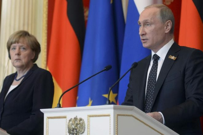 Russie : Angela Merkel et Valdimir Poutine se sont entretenus