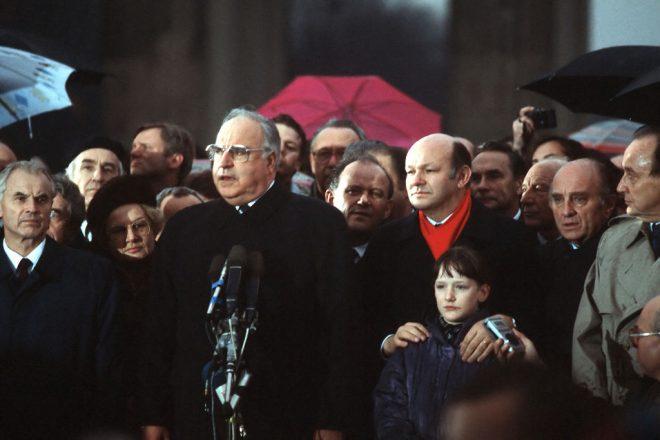 Cold War legend Kohl dies, 87