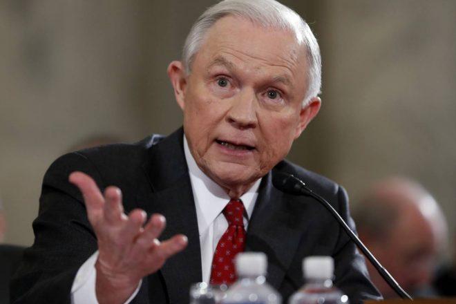 Ingérence russe dans les élections américaines : Jeff Sessions se retranche derrière le devoir de réserve