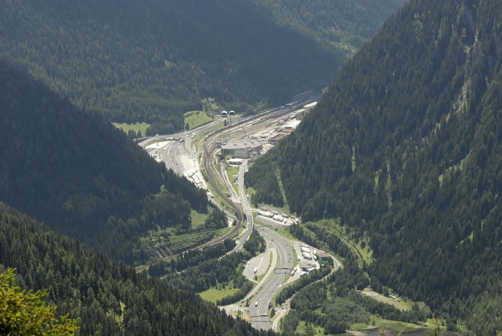 Italy slams Austrian border deployment
