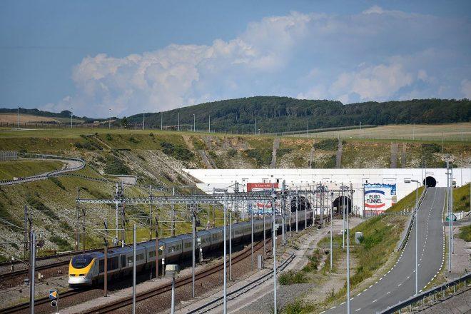 UK calls for transition customs deal