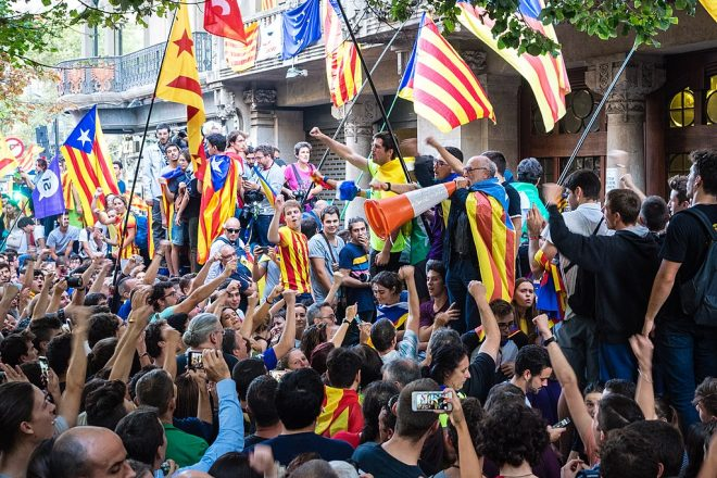 Catalan exiles freed on bail