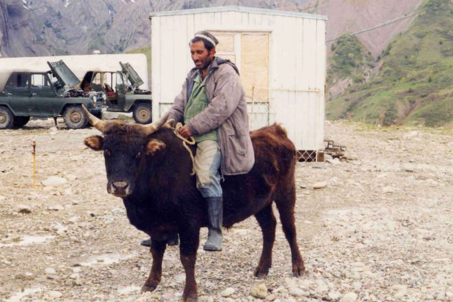 Uzbek-Tajik ties blossom