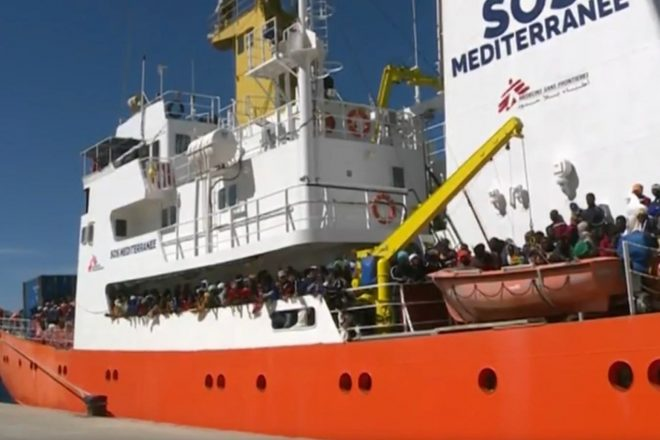 Salvini forces 629 migrants back to sea