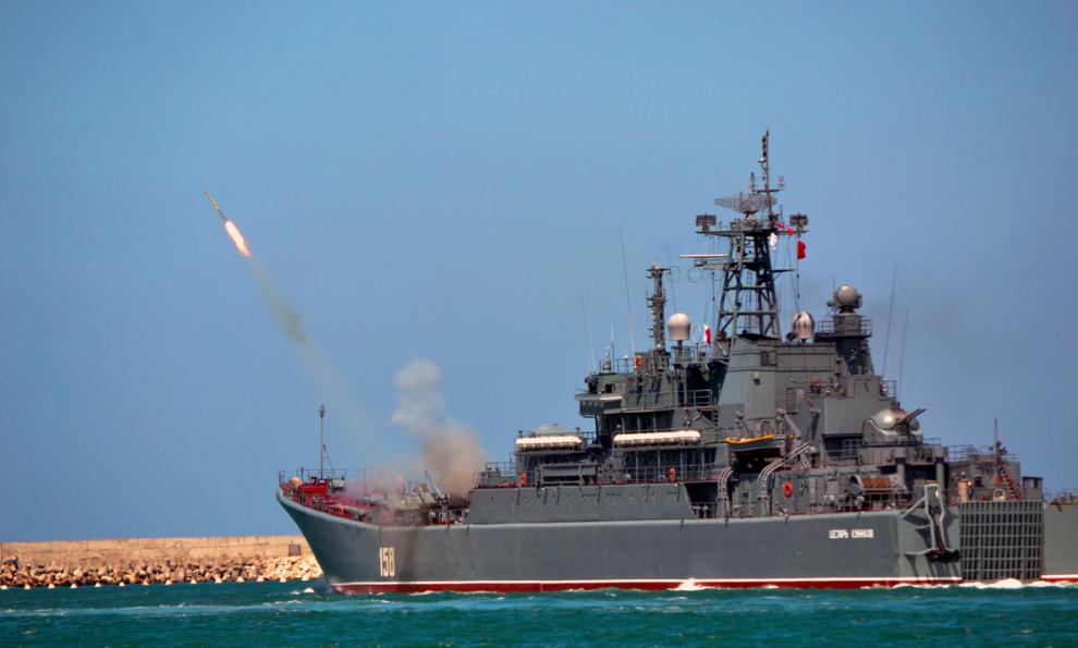 Scènes de guerre au large de la Crimée entre la Russie et l'Ukraine