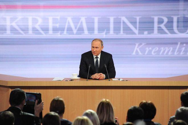 Putin calls for renewal of UK ties