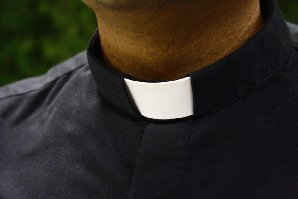 Un faux prêtre démasqué en Espagne