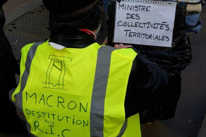 Macron condemns yellow vest anti-Semitism