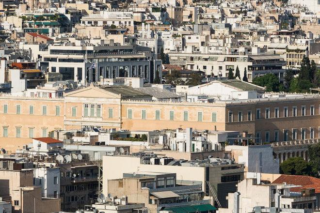 La Grèce souffle un peu plus financièrement