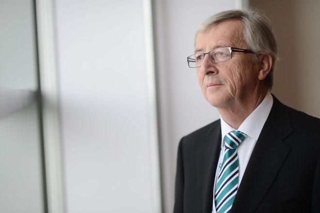 EU party blocs push for Junker's job
