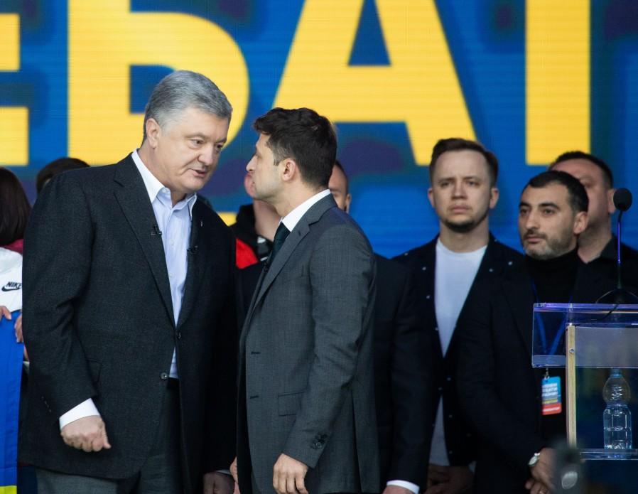 Zelensky élu haut la main président de l'Ukraine