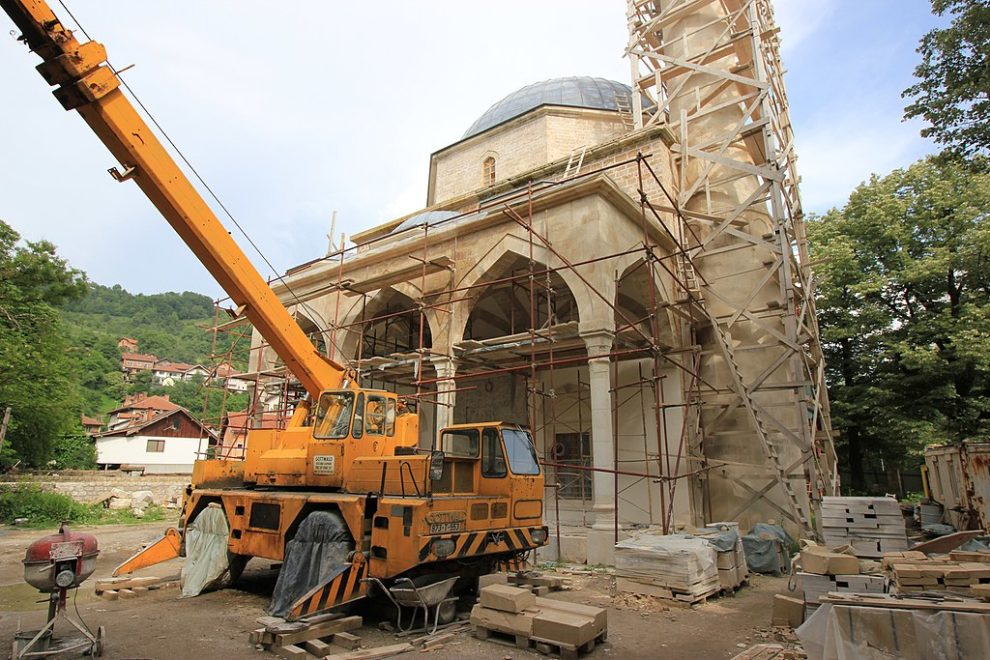 Rebuilt Bosnian mosque reopens after 1992 destruction