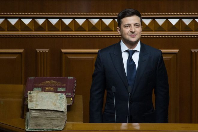 New Ukraine president endures torrid first week