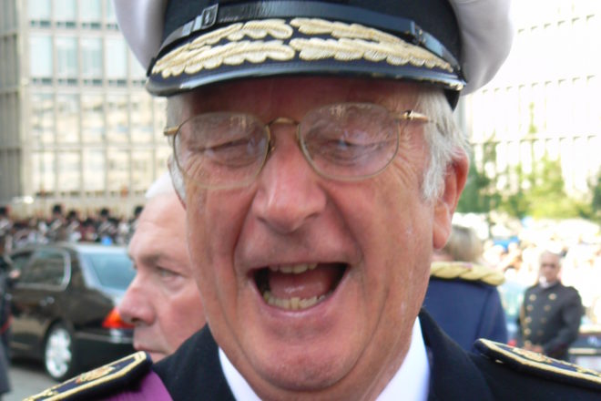 Belgian ex-king faces fine if he refuses DNA test