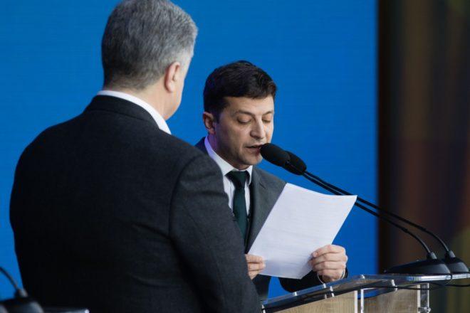 A peine investi, le président Zelenski dissout le Parlement ukrainien