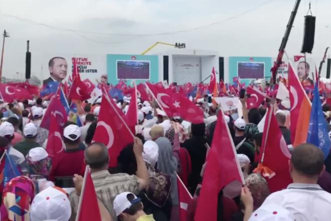 Erdogan faces pressure after Istanbul defeat