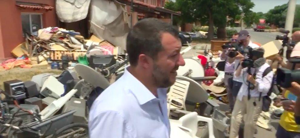 Salvini closes major Italian migrant camp