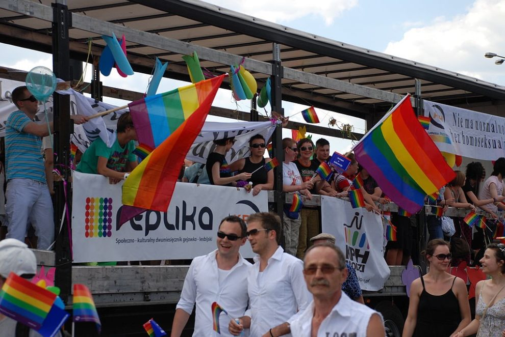 Warsaw hosts LGBT counter protest