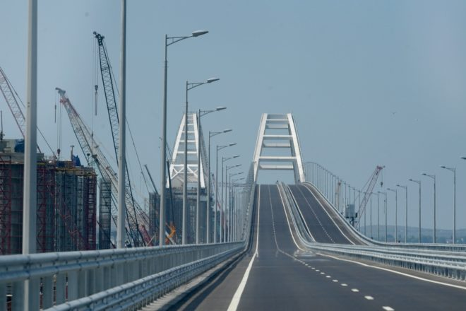 Ukraine media highlights Crimean bridge's structural flaws