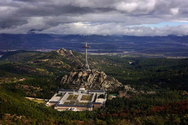 Spain prepares to move Franco's corpse