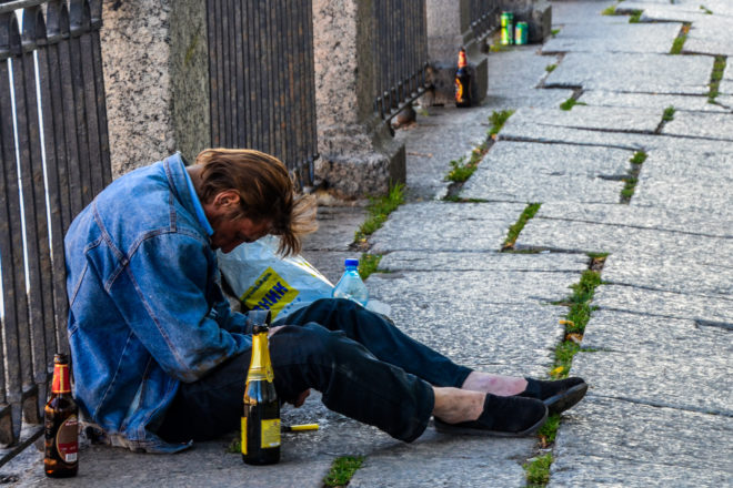 Russian alcohol consumption falls amid health drive