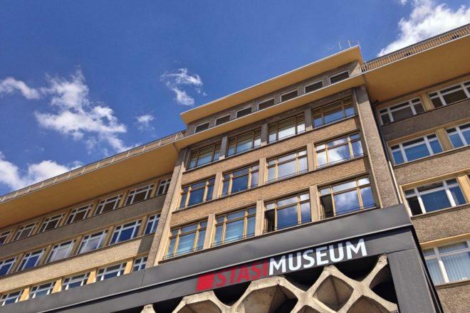 Burglars steal Soviet medals from Berlin's Stasi Museum