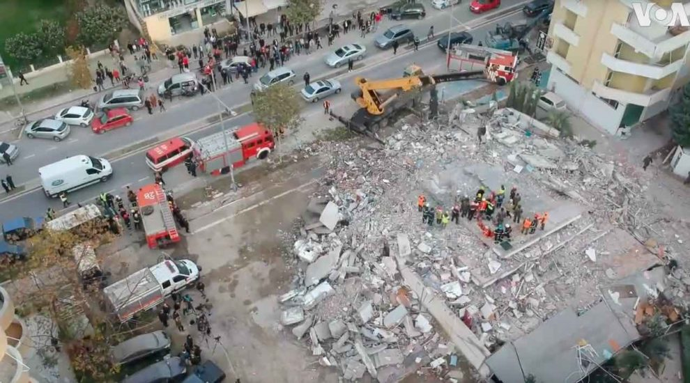 Nine Albanians held after buildings collapse in quake