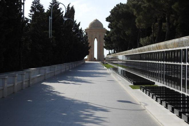 Azerbaijan remembers 1990 Soviet massacre