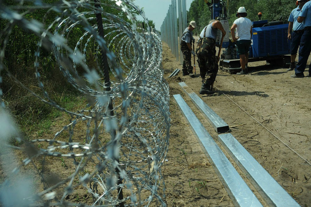 Hungary reopens Serbia border after migrant protest