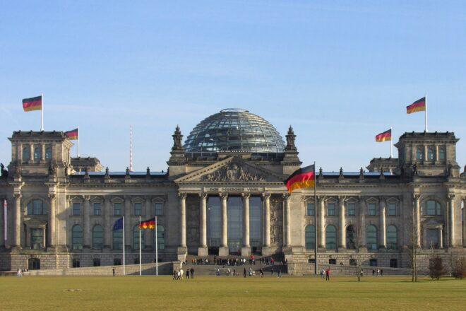 Un Allemand accusé d'avoir donné des plans du Bundestag aux renseignements russes