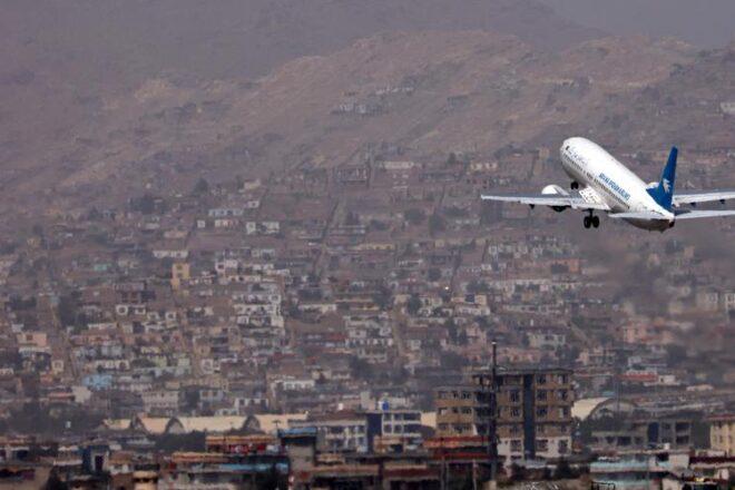 Un vol commercial pakistanais décolle de Kaboul